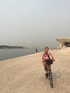 Geniet van de fietsen in de stad Lissabon
