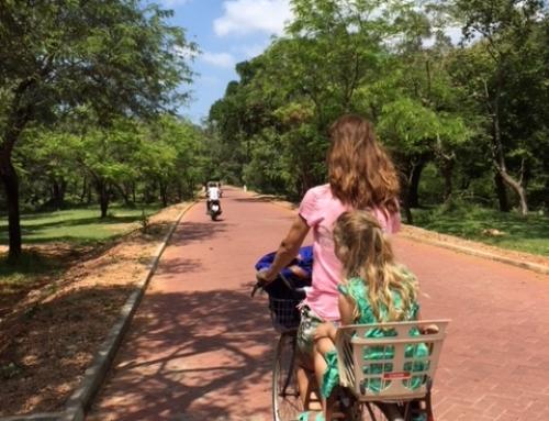 Fietsen in Pollonnaruwa- Sri Lanka