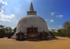fietsen in Polonnaruwa