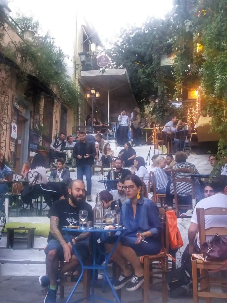 Hippe bars Athene