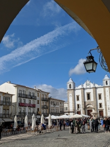 Evora main square