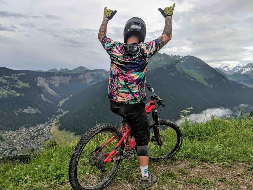 Mountain biken in franse bergen