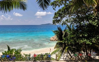 Bike and beach Seychellen